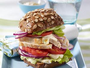 Hähnchen-Burger mit Senf-Curry-Dressing Rezept