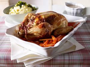Hähnchen mit Frischkäse dazu karamellisierten Porree mit Kartoffelpüree und Möhren Rezept