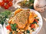 Hähnchen mit Oliven-Knoblauch-Kräuterkruste auf Gemüse Rezept