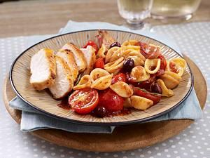 Hähnchen mit Tomaten-Orecchiette Rezept