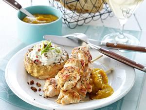 Hähnchen-Souvlaki mit Paprika-Ketchup und gefüllten Riesenchampignons Rezept
