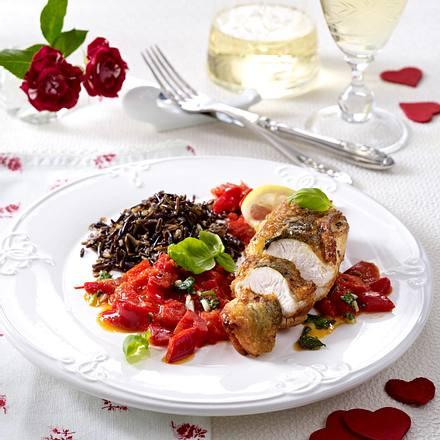 Hähnchenbrüste mit Kräutern an rotem Gemüse und Wildreis Rezept