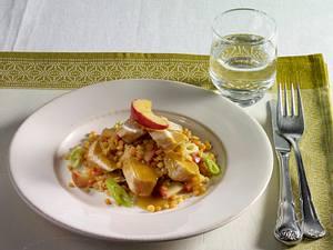 Hähnchenfilet auf rotem Linsengemüse mit Äpfeln und Currysoße Rezept