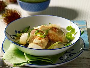 Hähnchengeschnetzeltes in Kokossoße mit Rambutan Rezept