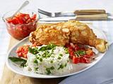 Hähnchenkeulen mit Mandelpanade mit Tomatensalsa und Risi Bisi Rezept