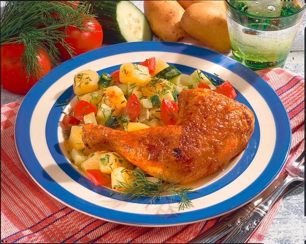 Hähnchenkeulen zu Kartoffel-Gurken-Salat Rezept