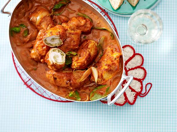 Hähnchenröllchen in Tomatenrahm Rezept
