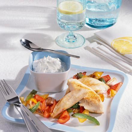 Hähnchenstreifen mit Paprika & Quark-Dip Rezept