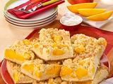 Hefe-Streuselkuchen mit Mango Rezept