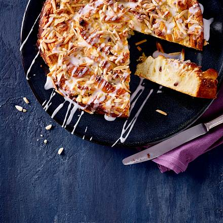 Hefekuchen mit Mandeln Rezept