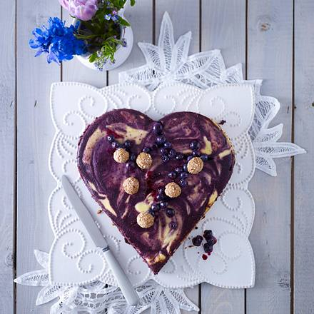 Heidelbeer-Käsekuchen-Herz Rezept