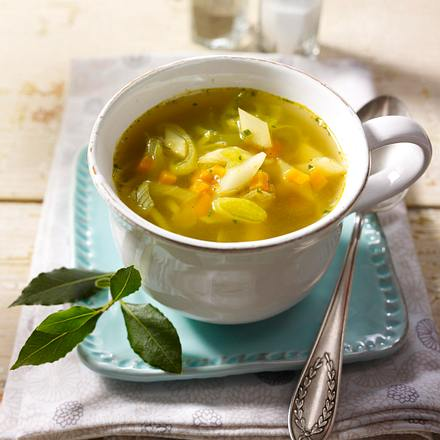 Heiße Gemüse-Brühe Rezept