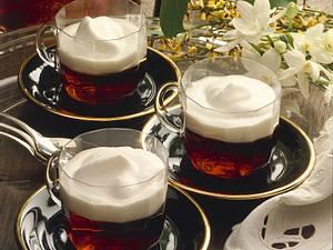 Heißer Amaretto mit Sahne Rezept