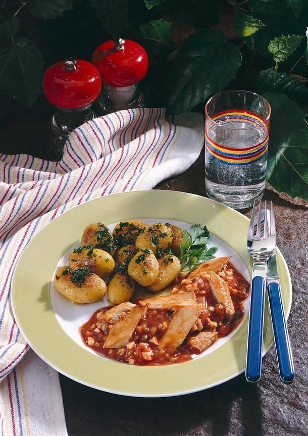 Heringsfilets in pikanter Tomatensoße Rezept