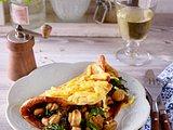 Herzhafte Dinkelpfannkuchen-Lasagne mit Spinat-Champignon-Füllung Rezept