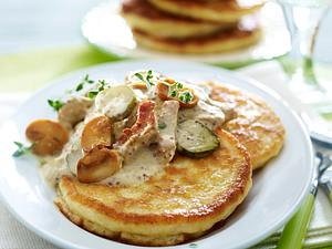 Herzhafte Pancakes mit Rahmgeschnetzeltem Rezept