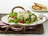 Herzhafte Panna Cotta auf Tomaten-Rauke-Salat Rezept