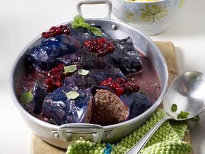 Herzhafte Rotkohlrouladen Rezept