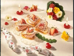 Herzwaffeln mit Erdbeersahne Rezept