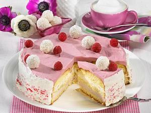 Himbeer-Sahne-Torte mit Kokos-Mandel-Konfekt Rezept