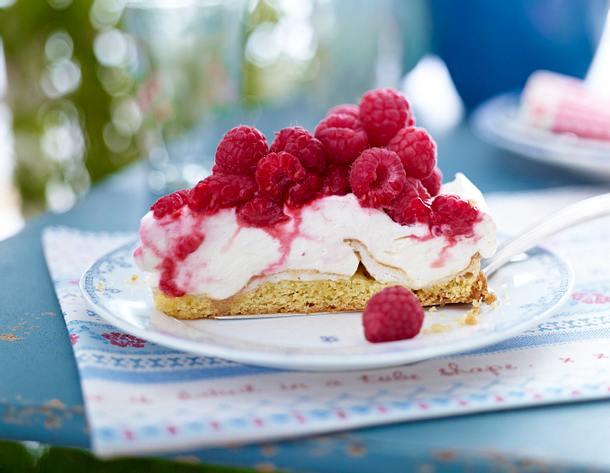 Himbeer-Schneemousse-Torte Rezept