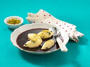 Holunderbeerensuppe mit Grießnocken Rezept