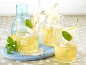 Honigmelonen-Bowle mit Minze und Limetten Rezept