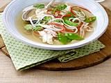 Hühnersuppe mit Glasnudeln und Gemüse Rezept