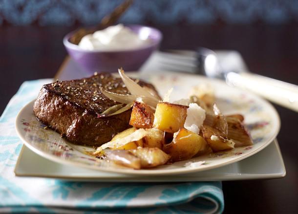 Huftsteak mit Röstkartoffeln, Schalotten und Parmesan Rezept