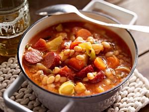 Immer-wieder-aufwärm-Suppe mit Bohnen und Mettenden Rezept