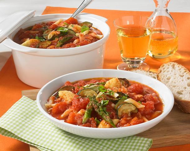 Italienischer Tomateneintopf mit Parmesanklößchen Rezept