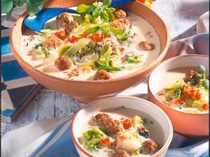 Joghurt-Krautsuppe mit Fleischbällchen  Rezept