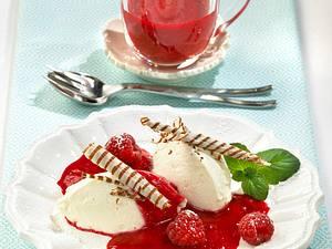Joghurt-Nocken auf Himbeeren Rezept