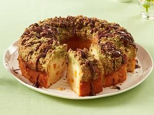 Joghurtkranz mit Aprikosen und Kürbiskern-Streuseln Rezept