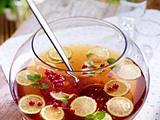 Johannisbeer-Limetten-Bowle mit Minze Rezept