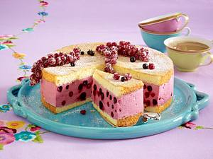 Johannisbeer-Torte mit Cassiscreme Rezept