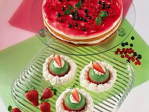 Käse-Sahne-Torte mit Erdbeeren Rezept