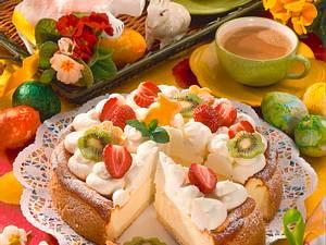 Käse-Sahne-Torte mit Früchten Rezept