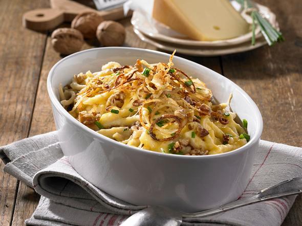 Käse-Spätzle mit Walnüssen Rezept