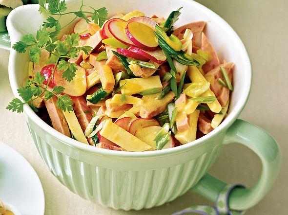 Käse-Wurst-Salat mit Radieschen Rezept