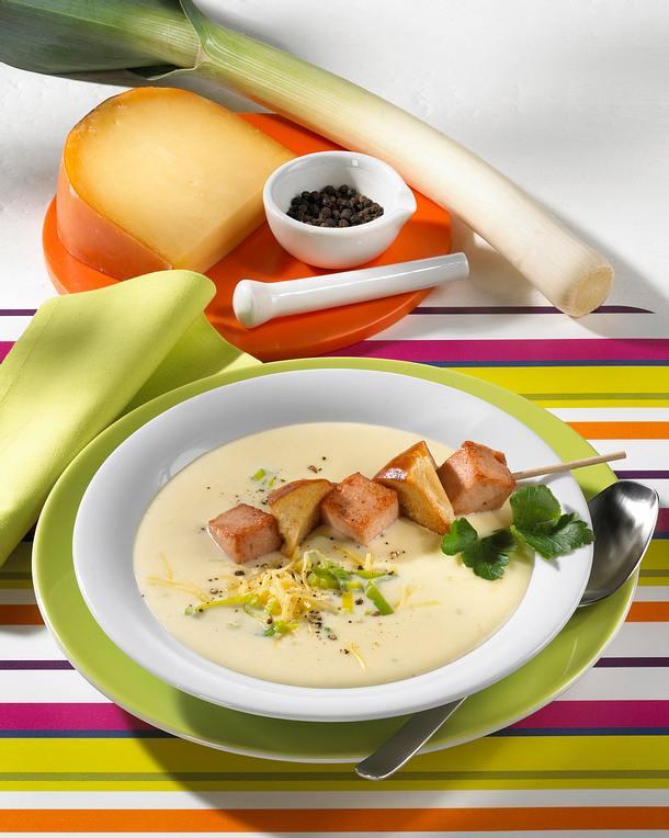 Käsesuppe mit Fleischkäse-Spieß (Diabetiker) Rezept