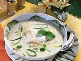Käsesuppe mit Zucchinistreifen Rezept