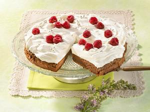 Kaffee-Brownie-Torte mit Sahne und Himbeeren Rezept