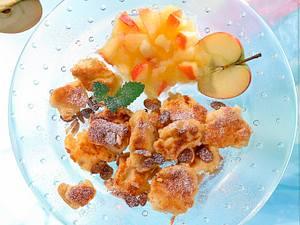 Kaiserschmarrn mit Apfelkompott Rezept