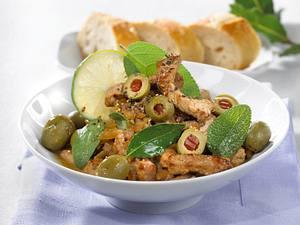 Kalbsgeschnetzeltes mit paprikagefüllten Oliven und Salbei aus der Pfanne Rezept