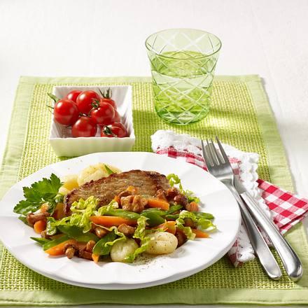 Kalbsschnitzel mit Frühlingsgemüse und Pfifferlingen Rezept