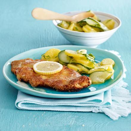Kalbsschnitzel mit Zitronen-Panko-Panade und Gurken-Kartoffelsalat Rezept
