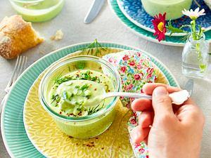 Kalte Gurken-Avocado-Suppe Rezept