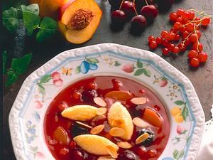 Kaltschale mit Vanille-Grießklößchen Rezept