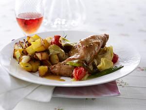 Kaninchen geschmort in Roséwein mit Röstkartoffeln Rezept